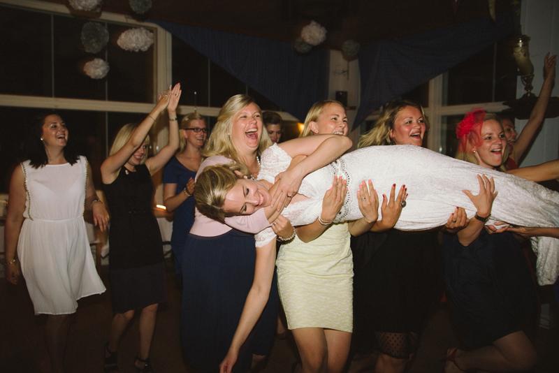 Bröllop vid Seglis i Vasa av bröllopsfotograf Julia Lillqvist